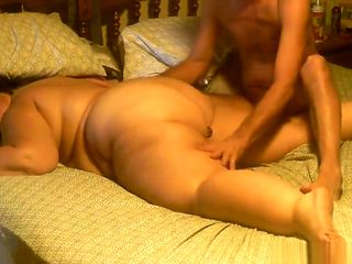 Fat wife gets her asshole covered in whipped cream