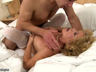 Mature Effie with round butt and a lucky guy enjoy oral sex they will never forget
