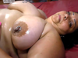 oiled plumper babe anal fucked