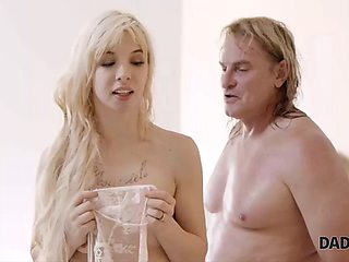 DADDY4K. Naive daughter cheats on her future husband with her experienced dad