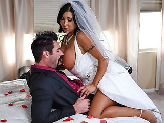 Witness Busty bride Fucks right at the wedding...