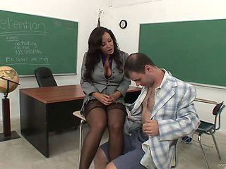 Stunning porn angel Lisa Ann gives hard dick a good blowjob