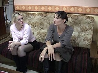 Dirty French dykes in lesbian action