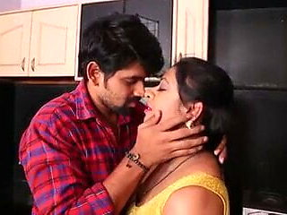 Desi Tamil girl Soni Priya's hardcore romance