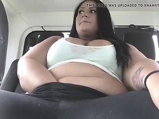 Beautiful amateur bbw masturbates and cums in the car