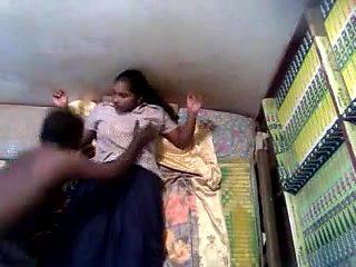 MALLU KERALA GIRL PUSSY EATEN