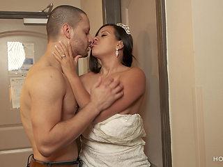 Bride leaves groom planted and fucks ex boyfriend