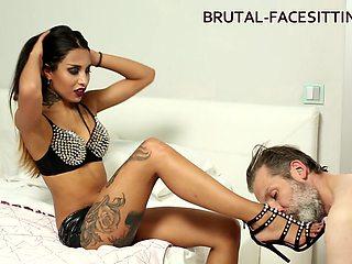 Julia Love Video - Brutal-Facesitting