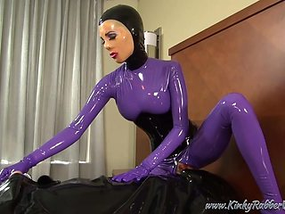 Kinkyrubberworld - The Chastity Slave In The Rubbersack