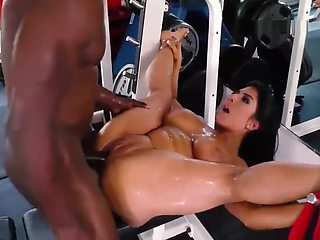 Raven Hart Squirts and Analized At Gym