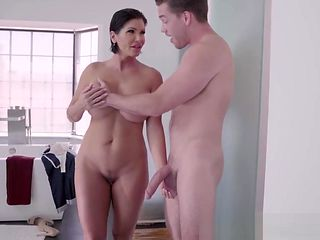 Brazzers - Mommy Got Boobs - Clueless Cum Lessons scene star