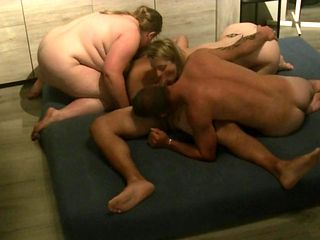 hot bisexual foursome / bi swinger orgy