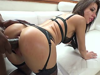 Giant Dick Leaves Sperm In Her Ass