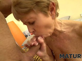 MATURE4K. Mature woman cant endure carnal desires and has sex with man