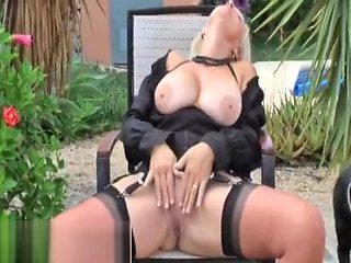 Mature - Sandy - Black Widow