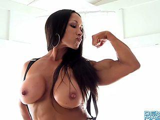 Female bodybuilder denise big clit