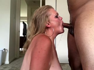 Jenna Jaymes Gets A Messy Facefuck