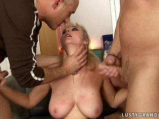 Mature with massive boobs enjoys hard tool in her mouth