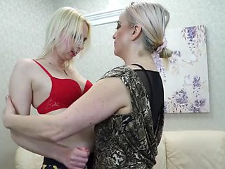 Mature mother seduce and fuck another mother