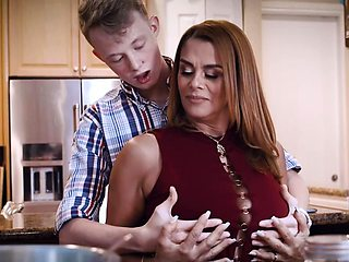 Juliett Russo letting stepson have a taste of her milf pussy