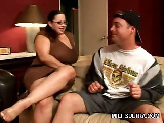 Chubby MILF Exposes Herself
