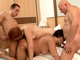 Mature with phat ass gives oral job to horny dude