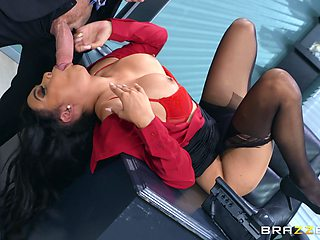 Ebony beauty Aaliyah Hadid fucked in her pussy and tight ass