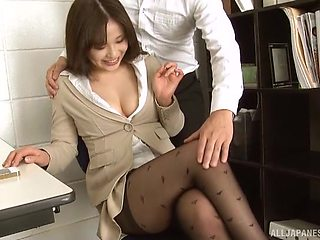 Kinky Japanese secretary Kiriyama Anna enjoys blowing her boss