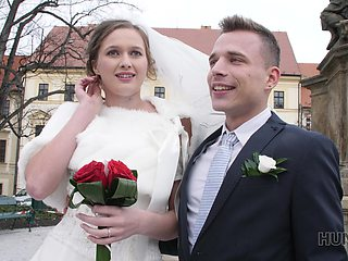 HUNT4K. Attractive Czech bride spends first night with rich stranger