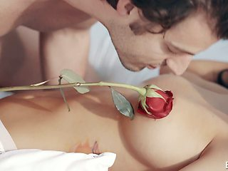 Concupiscent busty babe Sofi Ryan wakes up her boyfriend with a sensual blowjob