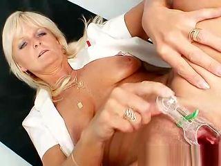 Mom Frantiska puss gaping in nurse uniform at clinic