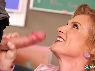 Ms. Verhooks' anal three-way - 50PlusMilfs