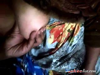 Bangla desi big boobs and lungi handjob