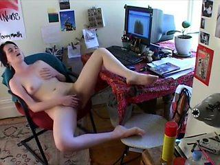 Peep her getting an incredible orgasm