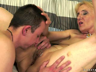 Mature can't stop sucking in wild oral action with horny bang buddy