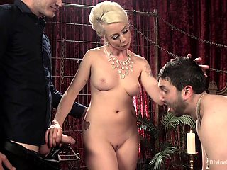 Lorelei Lee sits on a friend's face with her pussy during the BDSM