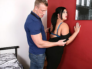 Curvy Housewife Fucking Her Younger Lover - MatureNL