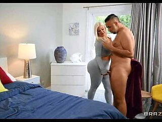 Julie Cash - Look At All That Ass!! FULL VIDEO On MyPornMate