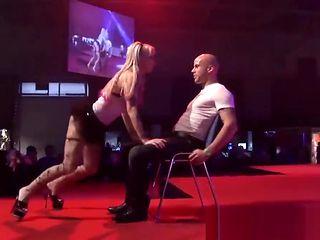 public lap dance with a flexi babe