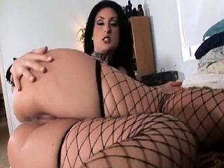 Concupiscent lovely girlie enjoys hardcore sex