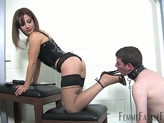 Kinky mistress Ella Kross makes dude lick anal hole and pussy and fucks him with a vibrator