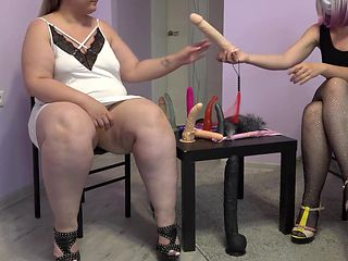 The teacher fucked a bbw with a big ass. Role-playing fetish game of lesbians.