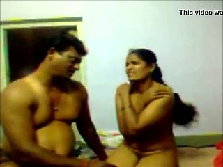 Perfect body indian aunty affair with her neighbour