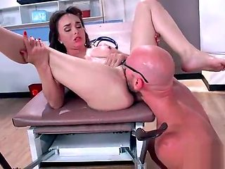 Sex Adventures On Cam Between Doctor And Lovely Patient (Cytherea) mov-06