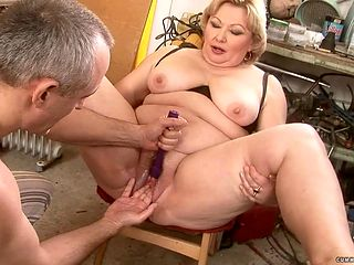 Mature with big booty having sensual sex with hot dude