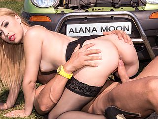 Hot Hitchhiker Alana Moon Gets A Creampie - Private