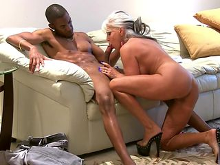 Cuckold Husband Clean BBC Cum out of Pussy