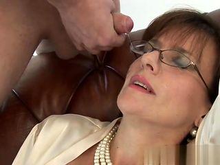 Busty housewife hard deepthroat