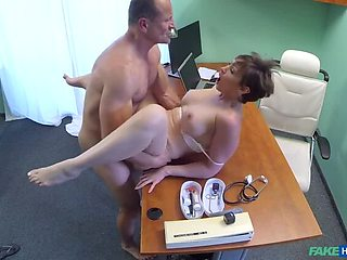 Tourist Loves Doctor's Cum in Pussy