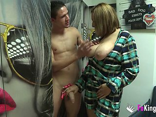 Amateur chubby mature Nuria MILF fucked in home porn video